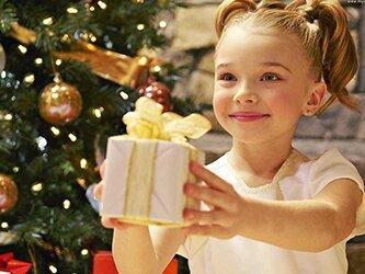 Що подарувати маленькій дівчині на Новий рік 2017 Півня
