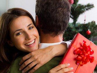 Що подарувати дружині  на Новий 2017 рік Півня
