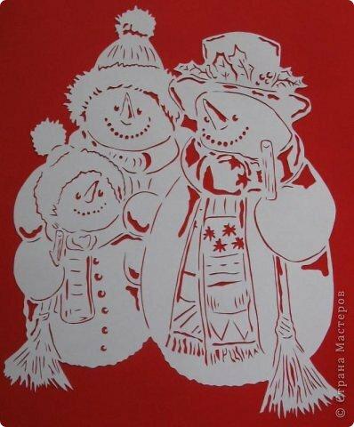 Как сделать из бумаги снеговика на окно 381